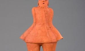 5 酒巻14号墳出土 筒袖の人物埴輪(行田市郷土博物館蔵:国指定重要文化財)1