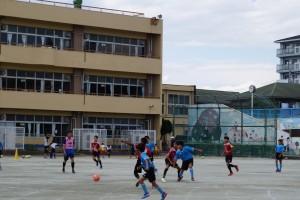 DSC04004s30地元小学生チームKSUとの交流試合