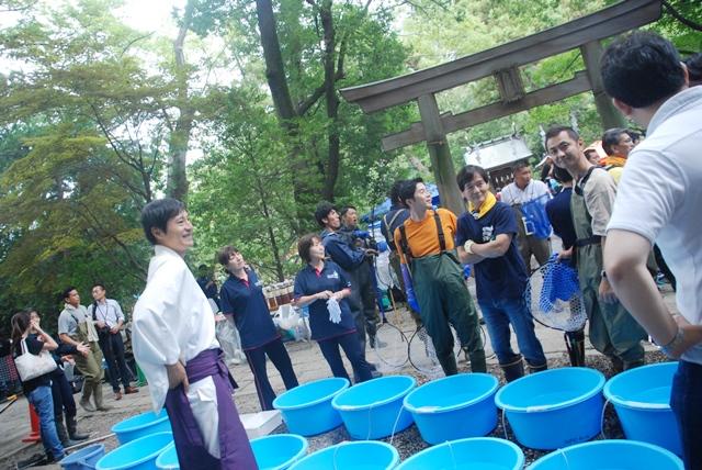 武蔵一宮氷川神社 池の水ぜんぶ抜く大作戦 大宮 氷川神社